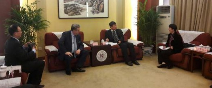 由卢博科夫校长率领的莫斯科国立师范大学官方代表团访问中国西安的工作结束