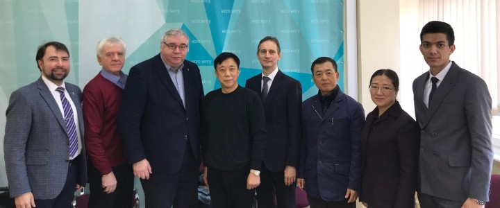 2019年11月14日,莫斯科国立师范大学社会与人文教育学院接待了以上政经济法学院,丝路法学院院长胡荣恩教授为团长的上海政法大学代表团。